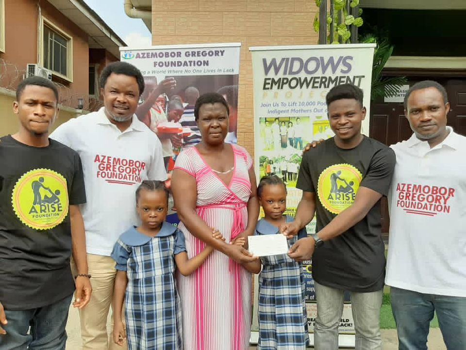 Arise Foundation Partners With Azembor Gregory Foundation to provide scholarship for indigent kids in Nigeria