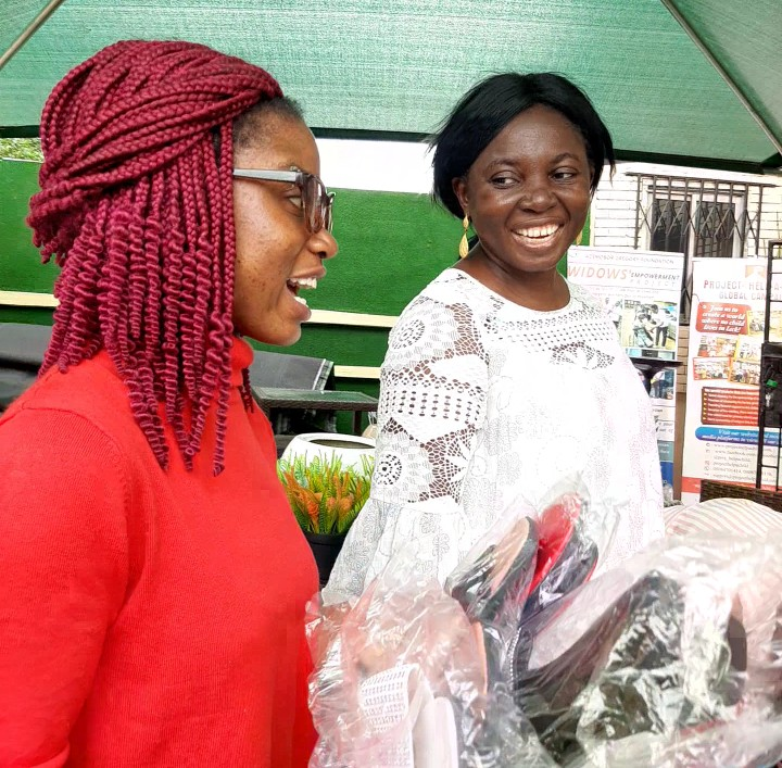 Azemobor Gregory Foundation patronized an indigent mother to encourage her.